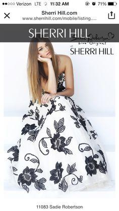 Sadie Robertson-Sherri Hill