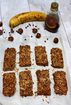 Homemade cereal bars: oats, banana, hazelnuts and chocolate - Amandine Cooking - Homemade cereal bars: oats, banana, hazelnuts and chocolate - Healthy Cereal, Healthy Muffins, Gourmet Recipes, Sweet Recipes, Vegan Thermomix, Waffel Vegan, Cereal Bars, Orange Recipes, Mets