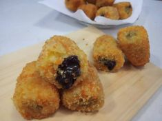 Tahu Isi, Jamun Recipe, Banana Recipes, Cake Cookies, Cheddar, Donuts, Deserts, Muffin, Dessert Recipes