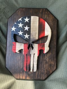 Diy Wooden Projects, Small Wood Projects, Wooden Diy, Wood Crafts, Craft Projects, Wood Cooler, Stick Wall Art, American Flag Wood, Carved Wood Signs