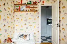 NOOKS | Ett nytt sätt att hitta hem  #nooks #hellonooks #sweden #stockholm  #kidsroom #scandinavianhomes #scandinavianinterior #scandinaviandesign #homedecor #interior #interiordesign #toys #wallpaper #animals #pugs #decoration #dogs #checkered #cute #fun #quirky