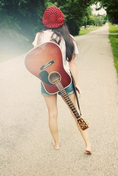 Reminds me of my 20 year old , guitar playing singer/songwriter daughter 'Samantha Sue'. She is also on pinterest.
