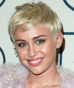 2013年、米歌手のマイリー・サイラス。米ロサンゼルスで開催の第56回グラミー賞授賞式で(2014年1月25日撮影)。(c)AFP/Getty Images/Frederick M. Brown ▼30Sep2015AFP|【特集】Maxim マキシム誌が選ぶ「最もホットな女性たち」 http://www.afpbb.com/articles/-/3014437 #Miley_Cyrus