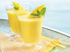 BIBetty Crocker Cookbook for Women/I shares a recipe!/B Youre 10 minutes and four ingredients away from a delicious blender drink.