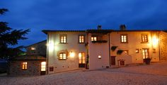 Umbria Italy, Brick, In This Moment, Mansions, House Styles, Building, Places, Home Decor, Decoration Home