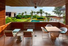 Residencia Casey by Sweet Sparkman Architects, Florida http://www.arquitexs.com/2013/12/casey-key-main-house-sweet-sparkman.html