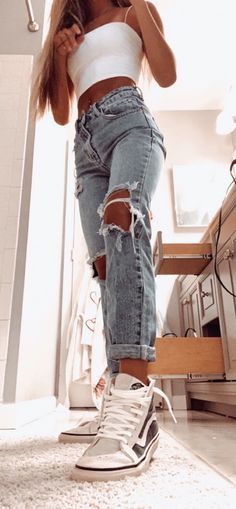 Style Fashion Tips .Style Fashion Tips Trendy Summer Outfits, Cute Comfy Outfits, Stylish Outfits, Cool Outfits, Casual School Outfits, Simple Teen Outfits, Cute Outfit Ideas For School, Popular Outfits, Teen Winter Outfits