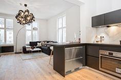 FINN – Frogner - Townhouse leilighet over 2 plan, betydelig påkostet og oppgradert i 2017. Parkeringsplass på tomten.
