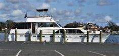 Yacht For Sale, Boats For Sale, Yacht Interior, Interior Design, Chris Craft Boats, Fresh Water Tank, Motor Yacht, Engine Types, Power Boats