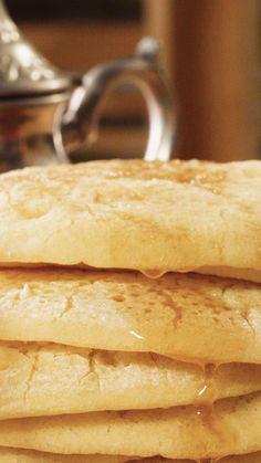 Baghirir à la semoule fine Brownie Recipe Video, Brownie Recipes, Healthy Dinner Recipes, Dessert Recipes, Cooking Recipes, Plats Ramadan, Arabic Dessert, Ramadan Recipes, Lebanese Recipes
