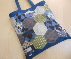 Quilt Bag, Japanese Fabric, Handmade Bags, Purses And Bags, Pouch, Craft Ideas, Quilts, Sewing, Mini