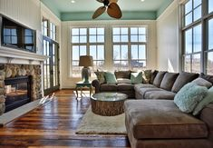 House of Turquoise: Stacye Love Construction and Design. My family room will look like this!