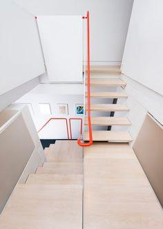 Beautiful staircase with orange ramp - Naylor-Ct-Studio-Residence-EL-Studio-10