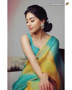 Indian Actress Hot Pics, Tamil Actress Photos, South Indian Actress, Beautiful Indian Actress, Indian Actresses, Beauty Full Girl, Beauty Women, Anu Emmanuel, Aunty In Saree