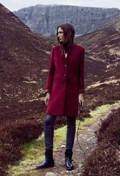 Travel in Style: Model Astrid Munoz für die Herbst/Winter 2013 Kollektion von Esprit
