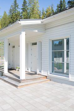 Harmaja White Beach Houses, Back Steps, Covered Walkway, Main Door, Backyard, Patio, House Entrance, Wooden House, Outdoor Settings