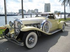 1933 Duesenberg II Boattail Speedster – Clyde Brokaw – join in the world of pin Bugatti, Maserati, Cars Vintage, Antique Cars, Mustang Fastback, Mclaren P1, Super Sport Cars, Super Cars, Duesenberg Car