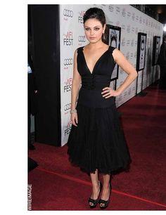 Mila Kundis in Oscar de la Renta