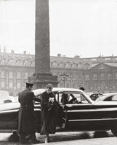 Audrey Hepburn arrivant au Ritz