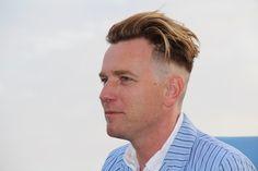 Ewan Mcgregor Haircut 36375 28 Albums Of Ewan Mcgregor Short Hair New Men Hairstyles, Square Face Hairstyles, Undercut Hairstyles, Haircuts For Men, Blonde Hairstyles, Surfer Hairstyles, High Skin Fade, Mcgregor Haircut, White Boy Haircuts