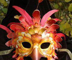 Carnival Masks, Carnival Costumes, Diy Costumes, Parrot Costume, Bird Costume, Pheonix Costume, Feather Mask, Bird Masks, Venetian Masks