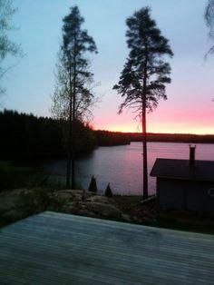 Perjantain auringonlasku Lepolassa.