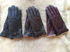 Mens super soft Italian lambskin leather gloves. 2015 model . The gloves it is…