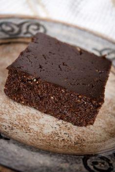 Flourless Chocolate Cake (Raw Food). Photo by The Veganista