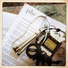 Alcuni attrezzi da lavoro nelle interviste di Phom. Qui l'intervista a Lorenza Bravetta direttrice di Camera.