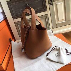 Hermes Gold Picotin Lock 18 Togo Leather Bag Hermes Purse, Hermes Bags, Hermes Handbags, Hobo Handbags, Handbags On Sale, Fashion Handbags, Hermes Lindy Bag, Designer Handbags, Designer Bags