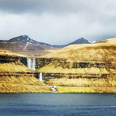 Foss ved Eidi. #atlanticairways #eidi #water #waterfall #foss #færøerne #faroeislands #atlantic #hav by markus1313