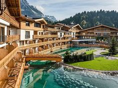 Mountain Apartment ✔ persons ✔ large balcony ✔ perfect for families & friends ✔ exclusivity ✔ cordial service ✔ spa ➔ Tyrol Hotel KAISERLODGE Hotel Architecture, Landscape Architecture Design, Bucket List Holidays, Wilder Kaiser, Hotel Concept, Holiday Park, Double Room, Design Hotel, Pent House