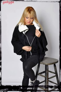 Black and white manteletcoat jacket with zipper and by GABYGA