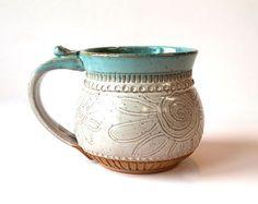 Speckled Clay Coffee Mug, Tea Mug, handmade pottery, Farmhouse Style, Flower Dra. Hand Built Pottery, Slab Pottery, Pottery Mugs, Ceramic Pottery, Pottery Art, Clay Mugs, Ceramic Clay, Ceramic Bowls, Wheel Thrown Pottery