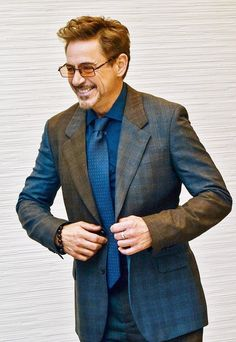 Robert Downey Jr Young, Robert Downey Jnr, Hero Marvel, Iron Man Cartoon, Tony And Pepper, Anthony Edwards, I Robert, Iron Man Tony Stark, Downey Junior