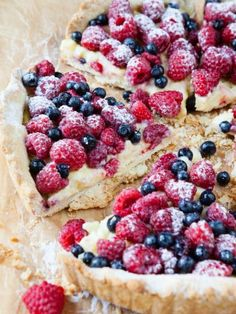 Very Berry taart Tart Recipes, Gourmet Recipes, Sweet Recipes, Berry Tart, Fruit Tart, Breakfast Dessert, Breakfast Club, Cookies Et Biscuits, Desert Recipes