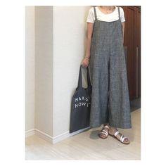 サロペットパンツの無料型紙と作り方 | ヘルカ + ハンドメイド Handmade Crafts, Diy And Crafts, Dressmaking, Harem Pants, Apron, High Waisted Skirt, How To Wear, How To Make, Sewing