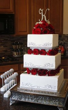 Love Wedding Cakes Square Tiered Wedding Cake with Roses & Babies Breath Square Wedding Cakes, White Wedding Cakes, Elegant Wedding Cakes, Wedding Cakes With Flowers, Cool Wedding Cakes, Beautiful Wedding Cakes, Gorgeous Cakes, Wedding Cake Designs, Square Cakes