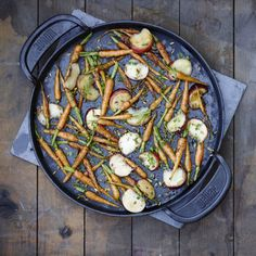 Weber Barbecue, Bbq, Paella, Ethnic Recipes, Food, Side Dishes, Carrot, Barbecue, Weber Bbq
