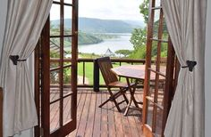 Wake up in the Kings suite at Blue Haze Country Lodge in the Drakensberg - this will be your view ...