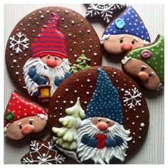 Wonderful! #cookies#cookiesart#cookiesdecorating #cookiesdecorados #gingerbread #gingerbreaddecorating #handmade #happyholidays #hobby #bakery #sweetlife #royalicing