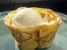 Crepes Suzette with Vanilla Ice Cream and Orange Butter Sauce Recipe : Tyler Florence : Food Network Florence Food, Tyler Florence, Orange Ice Cream, Vanilla Ice Cream, Desserts Français, Dessert Recipes, Pancake Recipes, Dessert Ideas, Breakfast Recipes