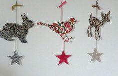 inspiration from Liberty Liberty Of London Fabric, Liberty Fabric, Liberty Print, Vintage Christmas, Christmas Crafts, Fabric Crafts, Paper Crafts, Deco Kids, Deco Originale