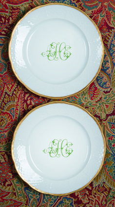 Add custom monogram dinnerware to your classic tablescape for a unique touch. Pair and layer your vintage china with our modern white porcelain! Explore everyday casual dinner plates with custom monograms at https://www.sashanicholas.com/shop-all/weave-24k-gold-rimmed-monogrammed-salad-plate/   Dinnerware Monogrammed   Tablescapes   China   Wedding Registry