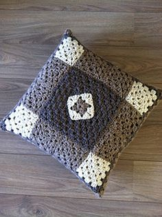 My second granny squares pillow! #crochet #grannysquares