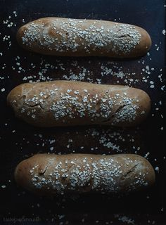 Honey Wheat Brown Bread - this hearty bread is slightly sweet and perfect served with a meal. Bread Recipes, Real Food Recipes, Cooking Recipes, Yeast Bread, Bread Baking, Cheesecake Factory Brown Bread, Bread Dumplings, Our Daily Bread, Artisan Bread