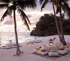 Beachfront dinner party; i adore this <3