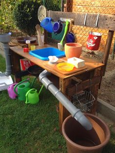 ♥ Ttlg ♥: Mud kitchen for the children - ♥ Ttlg ♥: Mud kitchen for the . ♥ Ttlg ♥: Mud kitchen for Kids Outdoor Play, Outdoor Play Spaces, Backyard Play, Outdoor Fun, Cat Playground, Outdoor Classroom, Play Houses, Garden Projects, Kids And Parenting