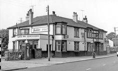 The Gate pub on Penistone Road North Sheffield Pubs, Sheffield Wednesday Football, Gate, Street View, Memories, History, Travel, Classic, Memoirs
