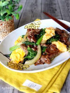 牛肉と小松菜のオイスターソース炒め by Norimaki 「写真がきれい」×「つくりやすい」×「美味しい」お料理と出会えるレシピサイト「Nadia | ナディア」プロの料理を無料で検索。実用的な節約簡単レシピからおもてなしレシピまで。有名レシピブロガーの料理動画も満載!お気に入りのレシピが保存できるSNS。